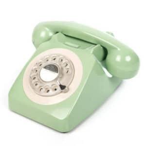 Fidèle réplique des téléphones anglais pour un petit passage dans les 60's. Branchement sur box internet, cadran comme à l'ancienne