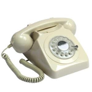 Fidèle réplique des téléphones anglais pour un petit passage dans les 60's. Branchement sur box internet, cadran comme à l'ancienne.